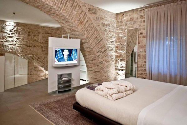 Nun Assisi Relais